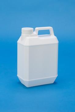プラスチック容器:新2L手付缶(乳白)